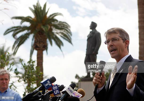 Minuteman founder Chris Simcox announces his bid for US Senate during a news conference outside the Arizona State Capitol building April 22 2009 in...