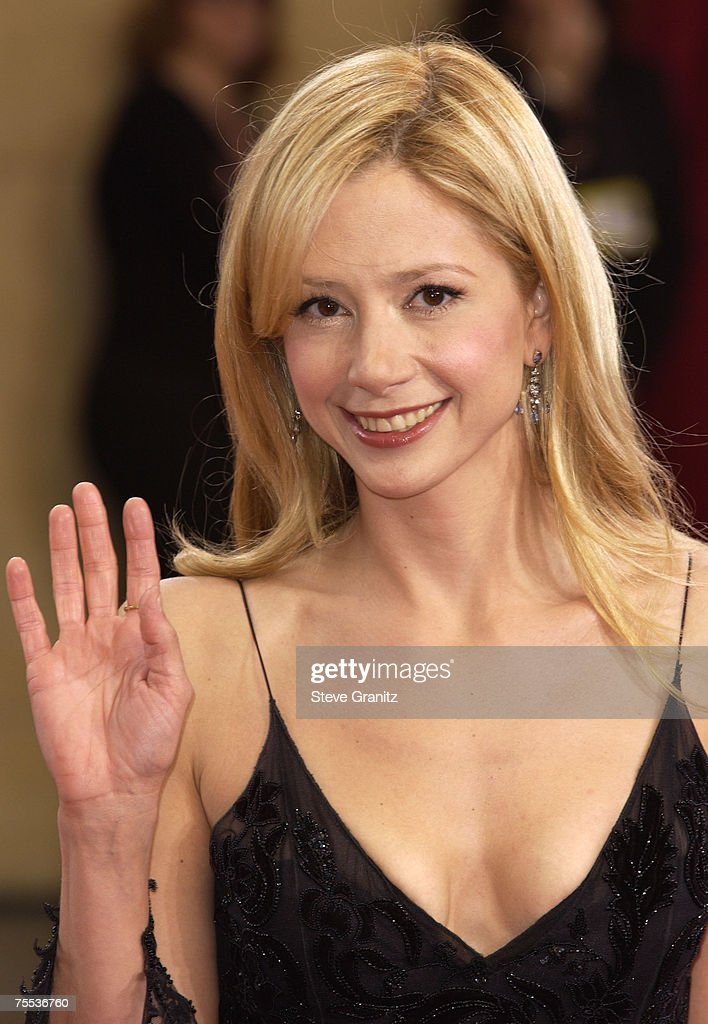 Mira Sorvino at the The Kodak Theater in Hollywood, California