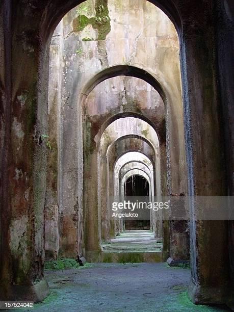 ピスシーナ mirabilis - ヘルクラネウム遺跡 ストックフォトと画像