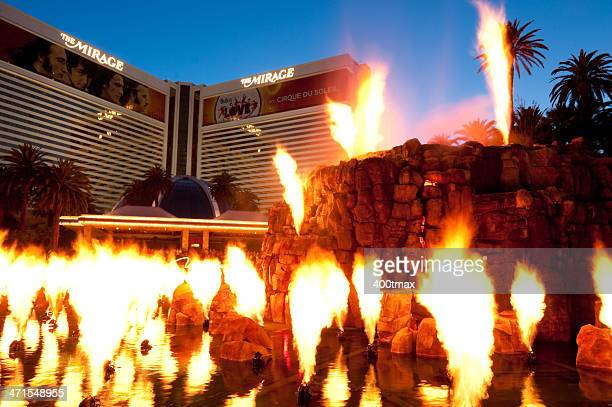 mirage hotel volcano - the mirage las vegas stock pictures, royalty-free photos & images