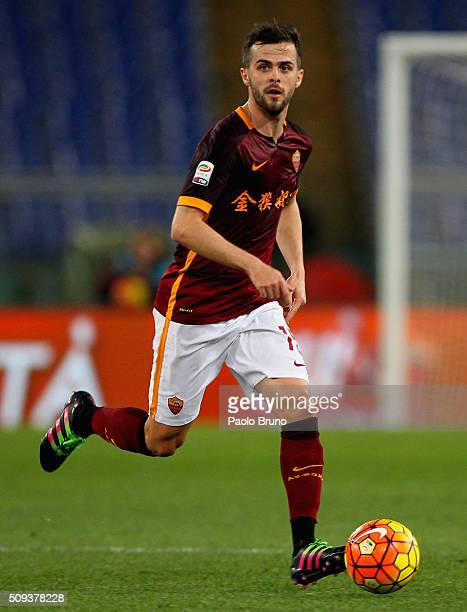 Miralem Pjanic of AS Roma in action during the Serie A match between AS Roma and UC Sampdoria at Stadio Olimpico on February 7 2016 in Rome Italy