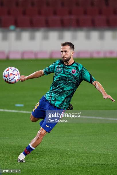 Miralem Pjanic of FC Barcelona warms up prior to the UEFA Champions League Group G stage match between FC Barcelona and Ferencvaros Budapest at Camp...