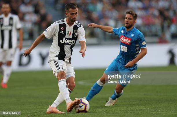 Miralem Pjanic of Juventus in action during the Srie A match between Juventus and SSC Napoli at Allianz Stadium on September 29 2018 in Turin Italy
