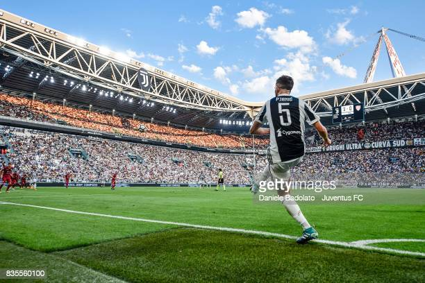 Miralem Pjanic of Juventus kicks a corner during the Serie A match between Juventus and Cagliari Calcio at Allianz Stadium on August 19 2017 in Turin...