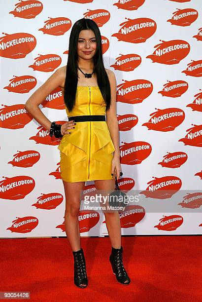 Miranda Cosgrove arrives for the Australian Nickelodeon Kids' Choice Awards 2009 at Hisense Arena on November 13, 2009 in Melbourne, Australia.