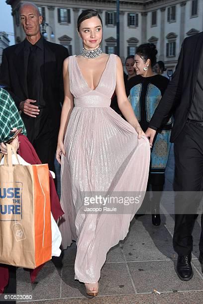Miranda Kerr leaves the Koradior show during Milan Fashion Week Spring/Summer 2017 on September 26 2016 in Milan Italy