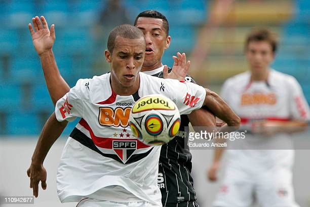 Miranda of Sao Paulo in action during a match against Corinthians as part of the Sao Paulo State Championship at Arena Barueri on March 27 in Barueri...