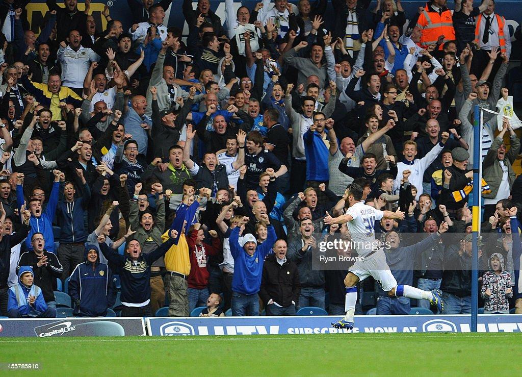 Leeds United v Huddersfield Town - Sky Bet Championship : News Photo