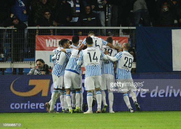Mirco Antenucci of SPAL celebrates after scoring his team's second goal during the Serie A match between SPAL and Cagliari at Stadio Paolo Mazza on...