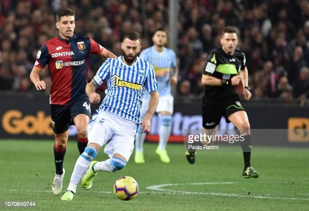 Mirco Antenucci of Spal in action during the Serie A match between Genoa CFC and SPAL at Stadio Luigi Ferraris on December 9 2018 in Genoa Italy