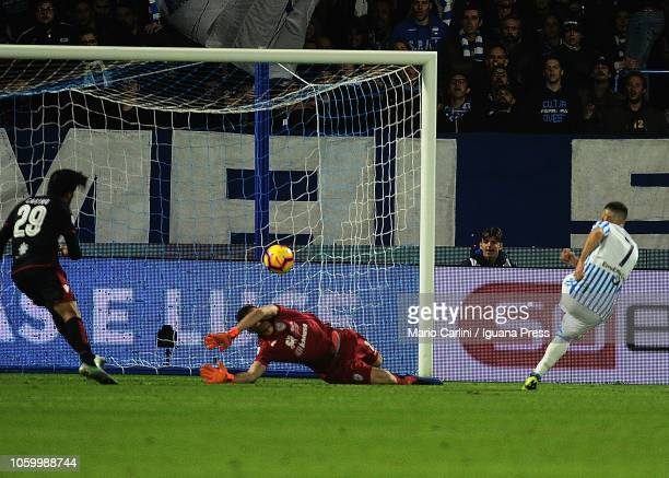 Mirco Antenucci of SPAL scores his team's second goal during the Serie A match between SPAL and Cagliari at Stadio Paolo Mazza on November 11 2018 in...