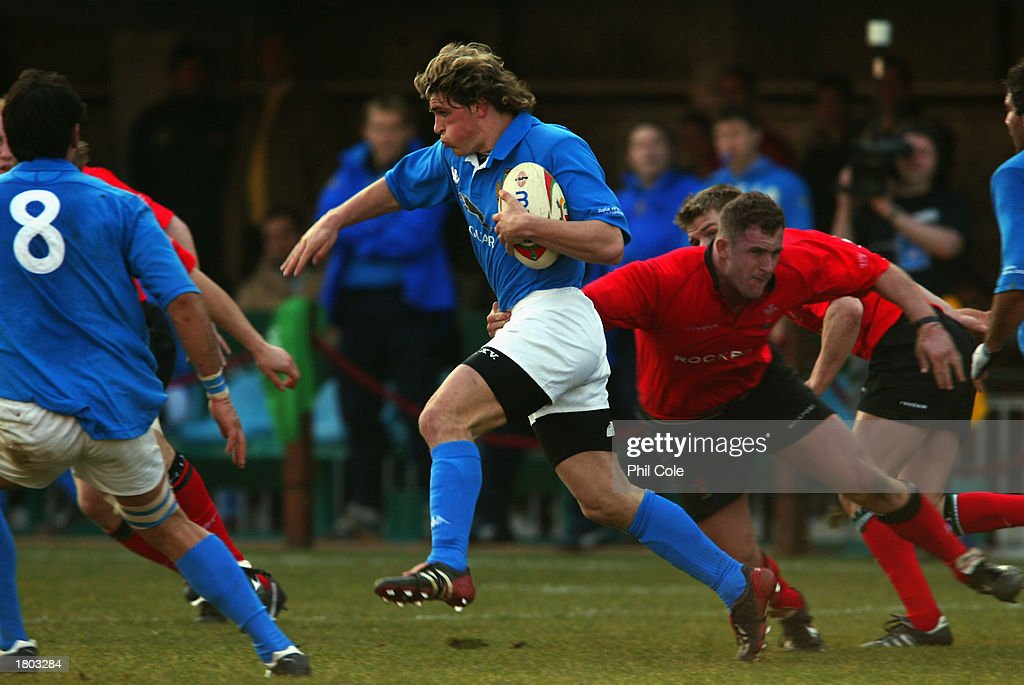Mirco Bergamasco of Italy and Leigh Davies of Wales : News Photo
