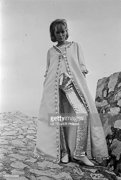 Shooting Of Film 'A Belles Dents' By Pierre Gaspard-Eight And At Home. France, 21 février 1966, l'actrice Mireille DARC, après 10 ans de carrière,...