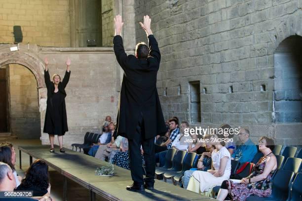 Mireille Herbstmeyer et Philippe Girard dans 'Les suppliantes Eschyle pièces de guerre' une adaptation pour le théâtre mise en scène par Olivier Py...