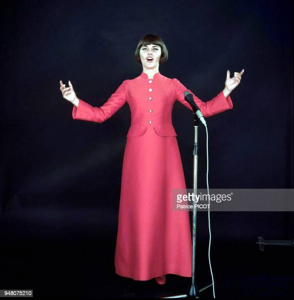 Mireille Mathieu 1969