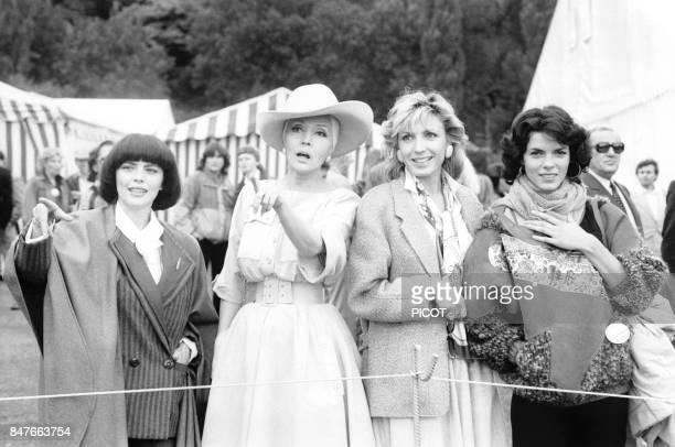 Mireille Mathieu avec Ludmila Tcherina, Evelyne Dheliat et Elisabeth Bourgine au Trophee Lancome en octobre 1984 a Saint-Nom-La-Breteche, France.