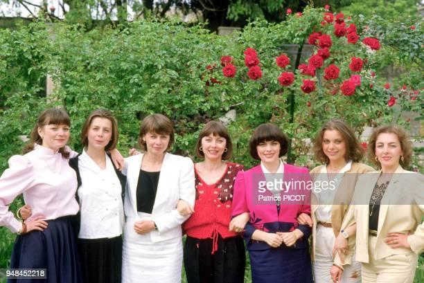 Mireille Mathieu avec ses soeurs Monique Christiane MarieFrance Réjane Simone et Béatrice à Avignon mai 1984