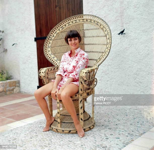 Mireille Mathieu en vacances 1969