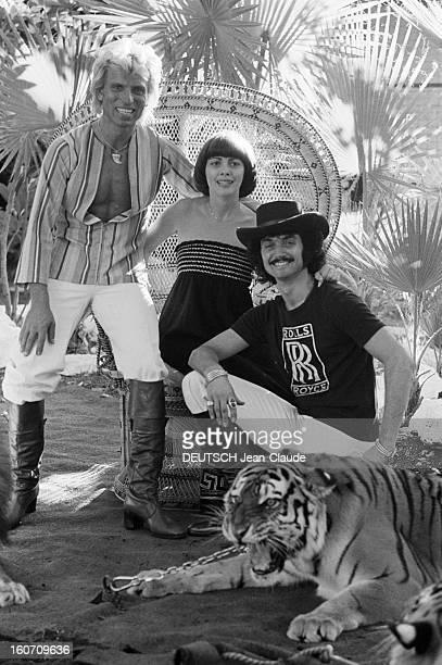 Mireille Mathieu In The United States A Las Vegas en octobre 1977 à l'occasion de l'enregistrement de l'émission 'Special Dean Martin Show' portrait...