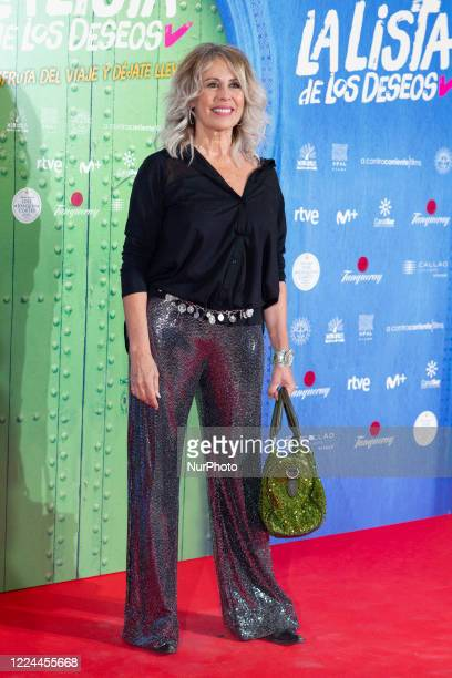 Miriam DíazAroca poses for the photographers during the premiere of the film 'La lista de deseos' directed by Spanish film maker Alvaro Diaz Lorenzo...