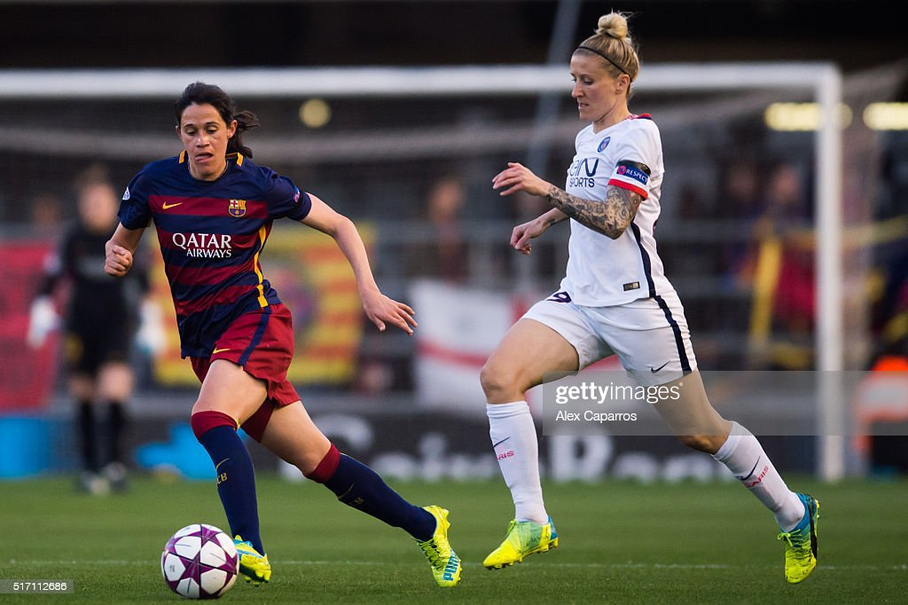 Miriam Dieguez (L) of FC Barcelona and Anja Mittag (R) of Paris Saint-Germain compete for the ball during the UEFA Women's Champions League Quarter Final first leg match between FC Barcelona and Paris Saint-Germain at Miniestadi on March 23, 2016 in Barcelona, Spain.