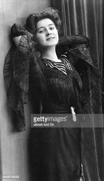 Miriam Horwitz Miriam Horwitz, soubrette, actress, wife of Erich Ziegel - 1905 - Vintage property of ullstein bild