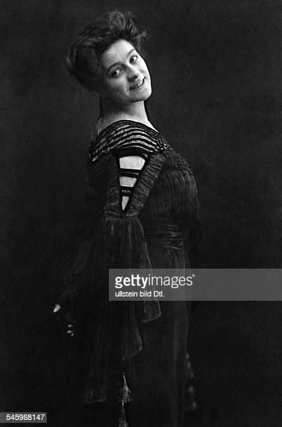 Miriam Horwitz Soubrette, SchauspielerinFrau von Erich ZiegelPorträt- 1905Foto: Becker & Maaß