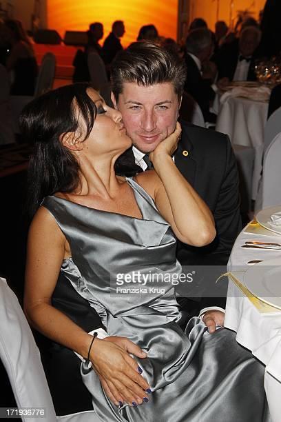 Miriam Pielhau Und Ehemann Thomas Hanreich Beim 6 Dkms Life Dreamball 2011 Im Hotel Ritz Carlton In Berlin