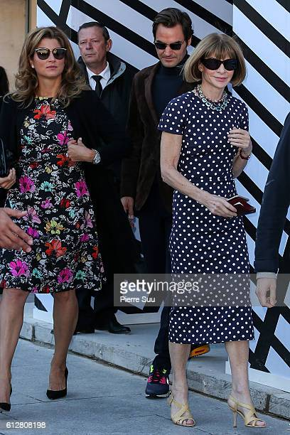 Mirka Federer Roger Federer and Anna Wintour leave the Louis Vuitton show as part of the Paris Fashion Week Womenswear Spring/Summer 2017 on October...