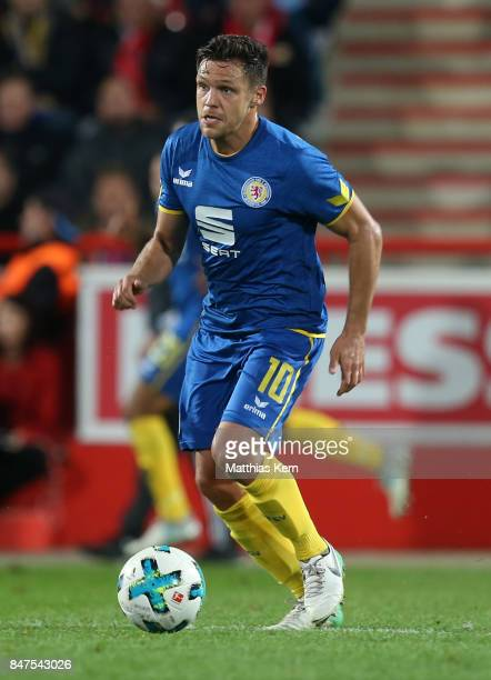 Mirko Boland of Braunschweig runs with the ball during the Second Bundesliga match between 1 FC Union Berlin and Eintracht Braunschweig at Stadion An...