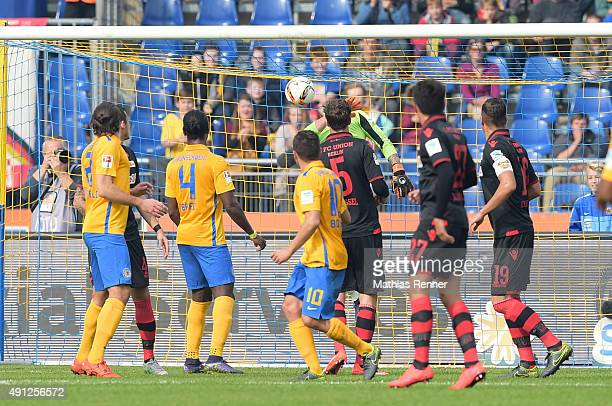 Mirko Boland of Eintracht Braunschweig scores the 10 during the Second Bundesliga match between Eintracht Braunschweig and 1 FC Union Berlin on...