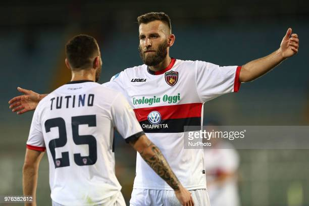 Mirko Bruccini of Cosenza Calcio celebrate the goal of 01 during the Lega Pro 17/18 Playoff final match between Robur Siena and Cosenza Calcio at...