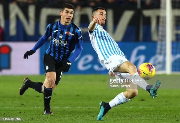 Mirko Valdifiori of Spalis challenged by Ruslan Malinovskyi of Atalanta BC during the Serie A match between Atalanta BC and SPAL at Gewiss Stadium on...