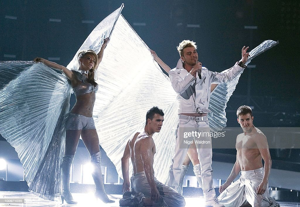 Miro (2nd R) of Bulgaria performs during the dress rehearsal of the Eurovision Song Contest on May 26, 2010 in Oslo, Norway.