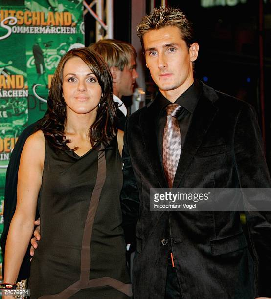 Miroslav Klose and his wife Sylwia attends the premiere of the film Deutschland ein Sommermaerchen at the Berlinale Palast on October 3 2006 in...
