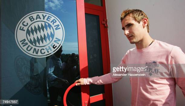 Miroslav Klose arrives for the seasons first training session at Bayern's training ground Saebener Strasse on June 28 2007 in Munich Germany