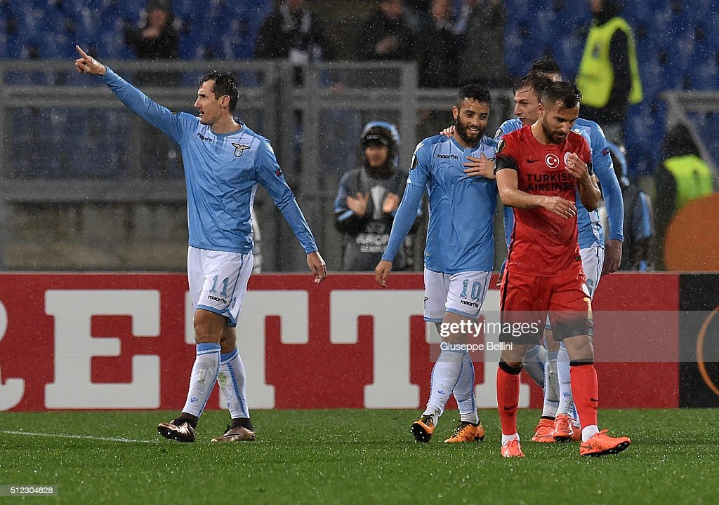 Miroslav Klose (L) of SS Lazio celebrates after scoring the goal 3-1 during the UEFA Europa League Round of 32 second leg match between SS Lazio and Galatasaray AS on February 25, 2016 in Rome, Italy.