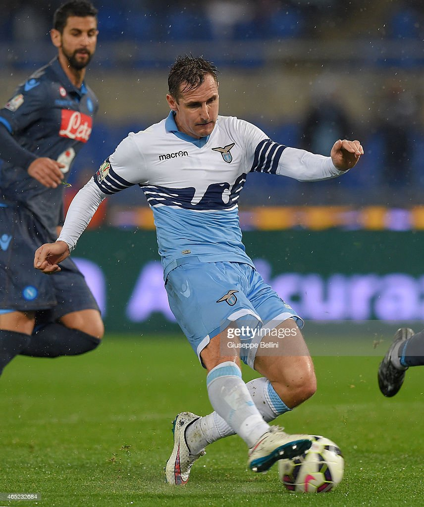 Miroslav Klose of SS Lazio scores the opening goal during ...