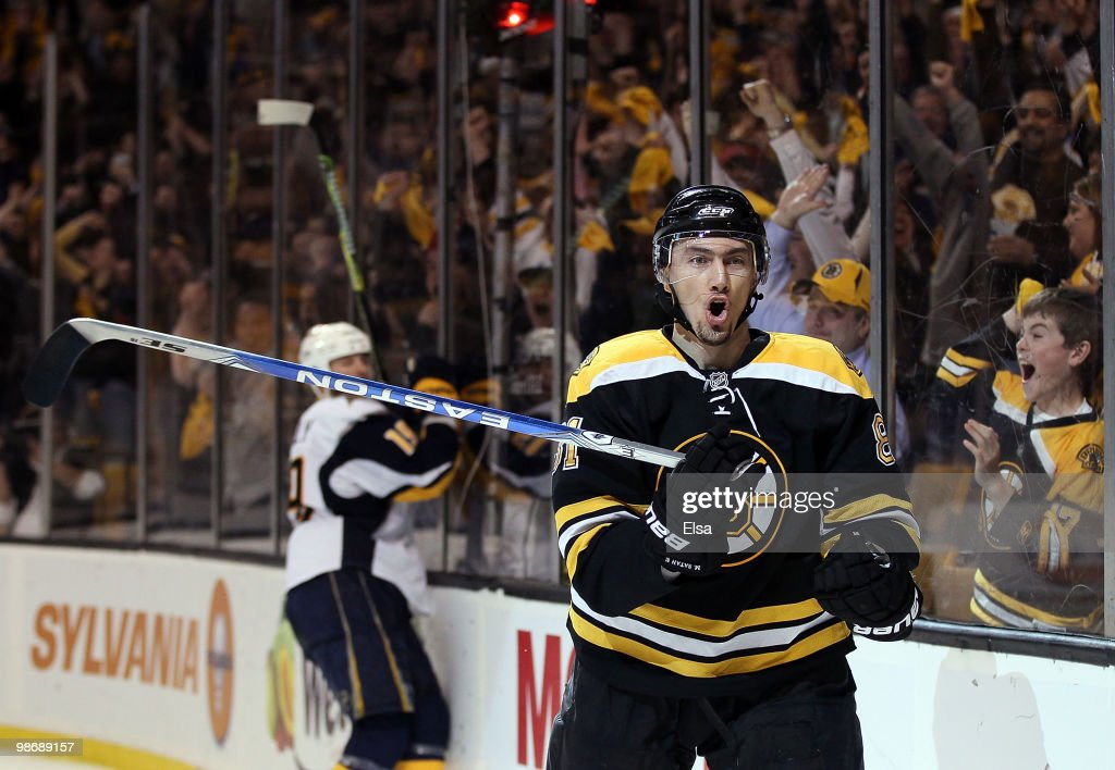Buffalo Sabres v Boston Bruins - Game Six : News Photo