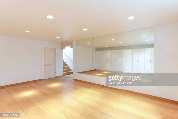 mirror and cabinets in empty studio - dance studio stock pictures, royalty-free photos & images