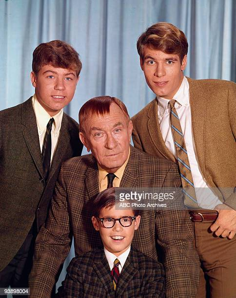SONS Misc 19601972 Stanley Livingston William Demarest Barry Livingston Don Grady