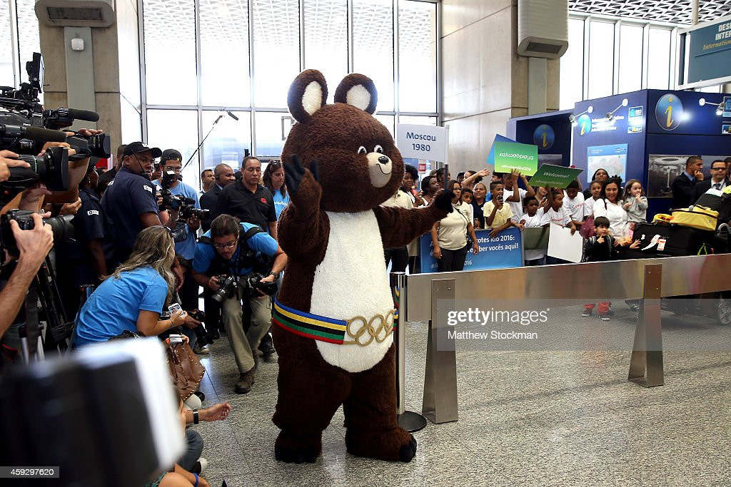 Rio 2016 Receives Mascots from Moscow, Athens, Beijing and London Olympic Games : News Photo