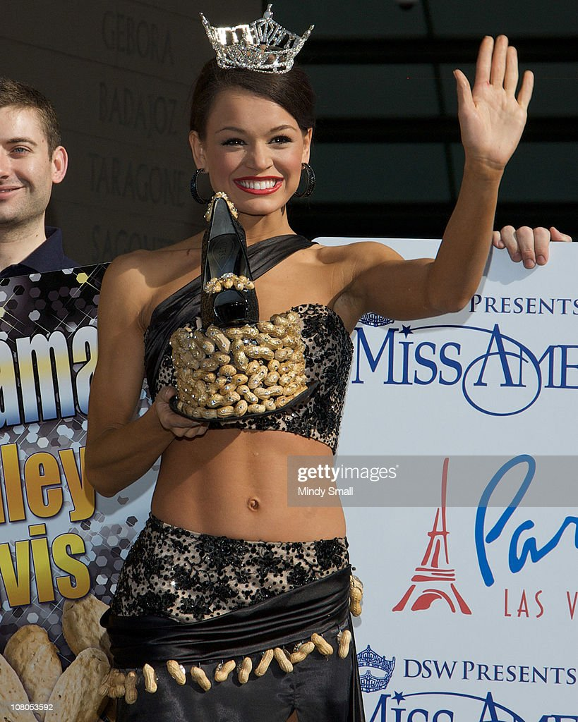 Miss Alabama Ashley Davis attends the 2011 Miss America's 'Show Us Your Shoes' Parade at Paris Las Vegas on January 14, 2011 in Las Vegas, Nevada.
