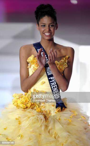 Miss AlbigeoisMidi Pyrenee Chloe Mortaud is elected Miss France 2009 on December 6 2008 in Le Puy du Fou France