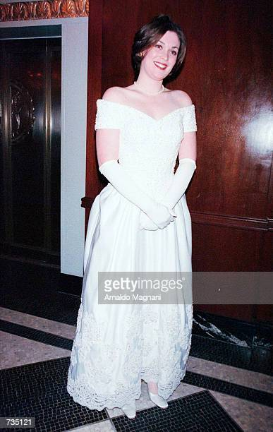 Miss Amelia Eisenhower Mahon poses for photographers December 29 20000 while attending the 46th International Debutante Ball at the Waldorf Astoria...