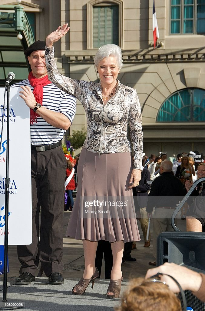 Miss America 1955 Lee Meriwether attends the 2011 Miss America's 'Show Us Your Shoes' Parade at Paris Las Vegas on January 14, 2011 in Las Vegas, Nevada.