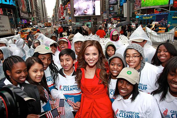 Photos et images de Miss America 2009 And The Cast Of