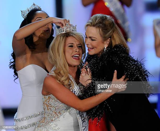 Miss America 2010 Caressa Cameron crowns Teresa Scanlan Miss Nebraska the new Miss America as Miss America 1971 Phyllis George gives Scanlan a hug...