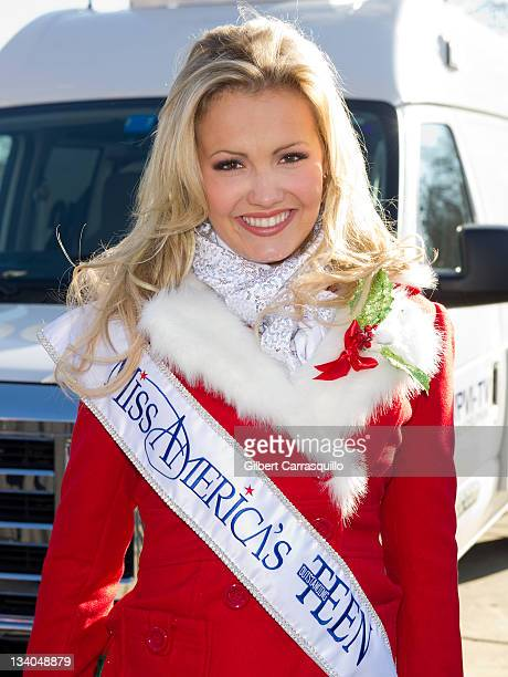 Miss America's Outstanding Teen 2012 Elizabeth Fechtel attends the 92nd Annual 6ABC Dunkin' Donuts Thanksgiving Day Parade on November 24 2011 in...