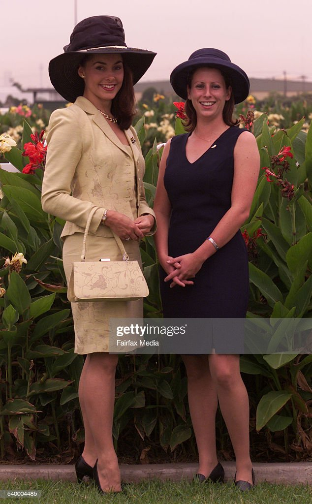 Miss Australia 1999 Kathryn Hay, left, and Jane McGee at Rosehill Racecourse, 24 : News Photo